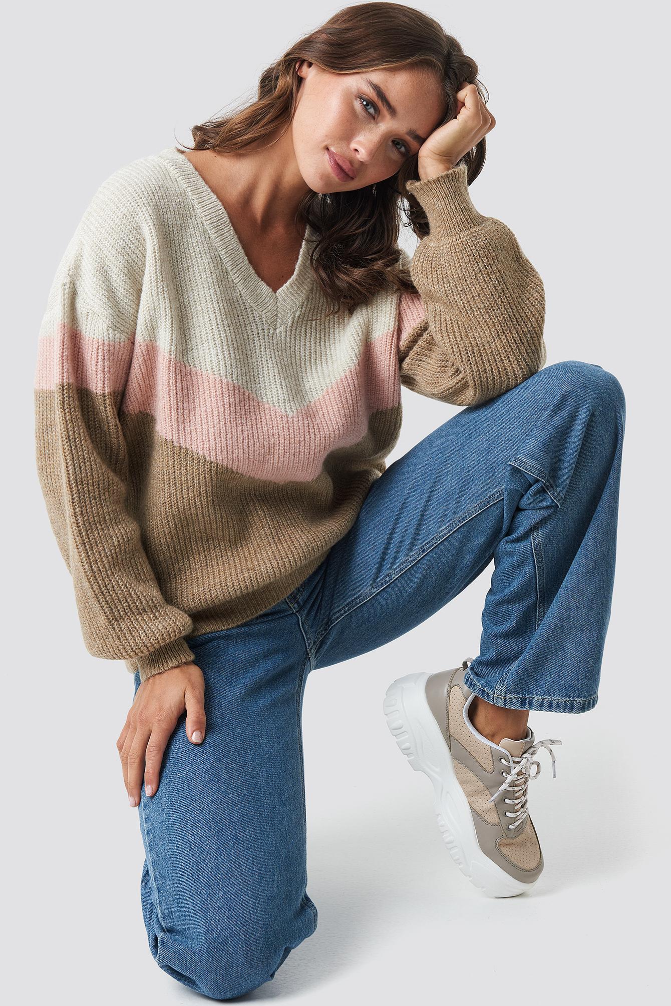Color Blocked V-neck Knitted Sweater NA-KDLOUNGE.DE